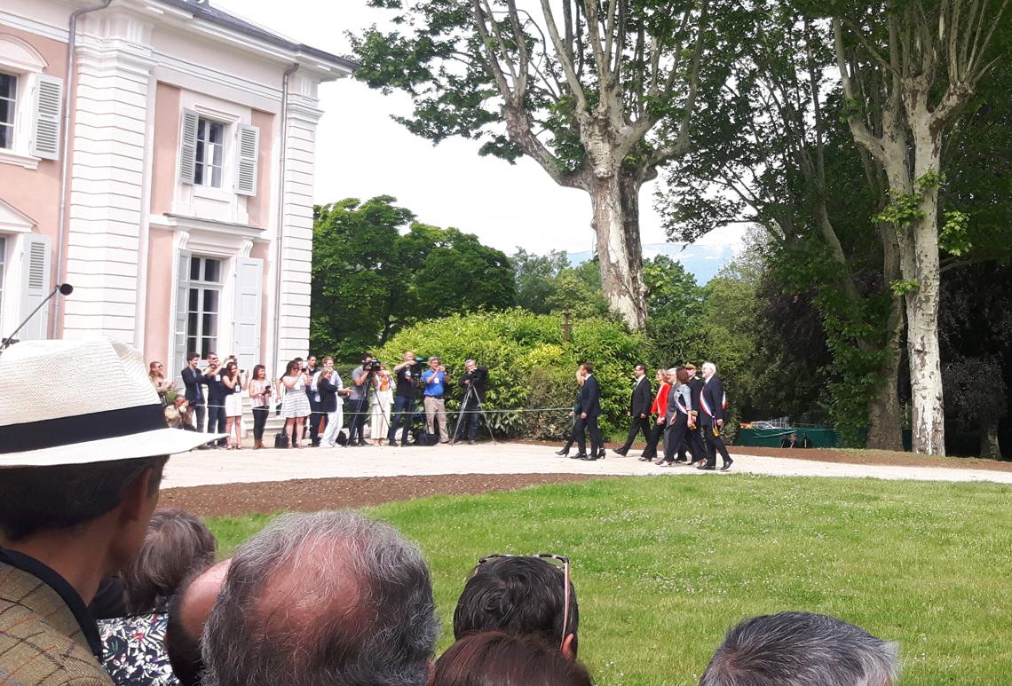 Arrivée du couple présidentiel au Château de Voltaire