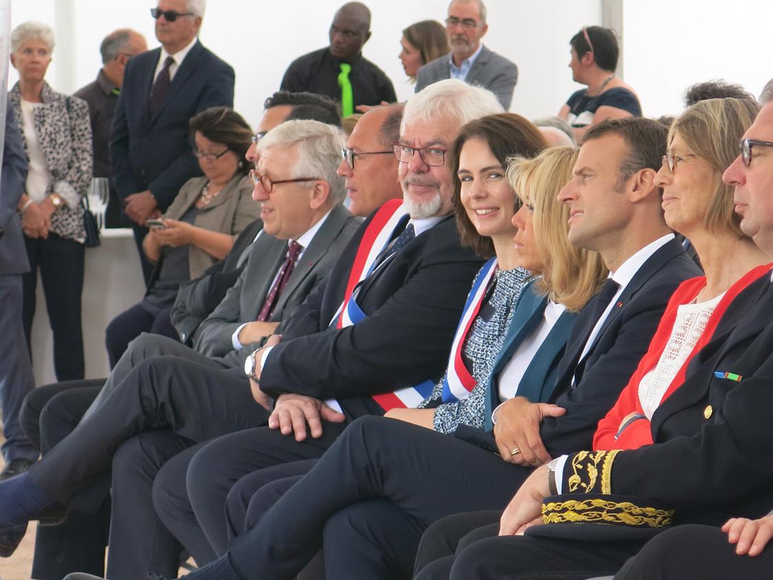 De gauche à droite: Philippe Bélaval, Jean Deguerry, Daniel Raphoz, Olga Givernet, Brigitte et Emmanuel Macron, Françoise Nyssen