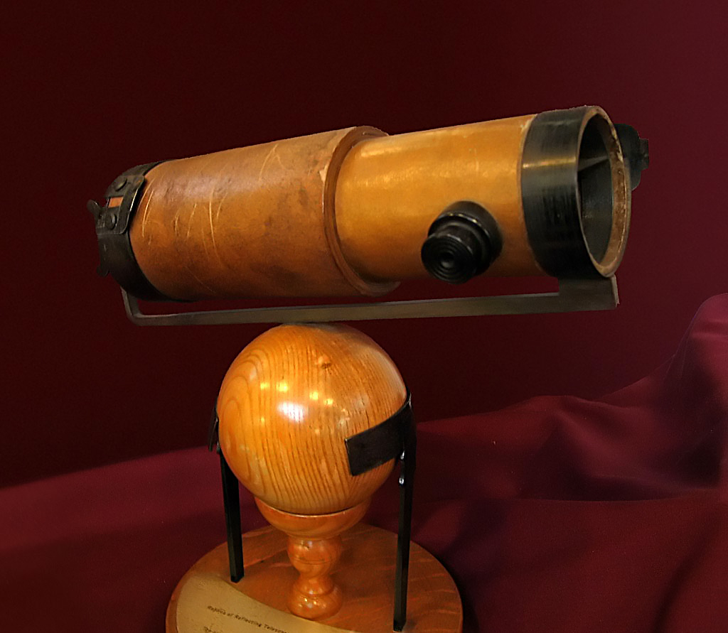 Replica of Newton's telescope presented to the Royal Society in 1672