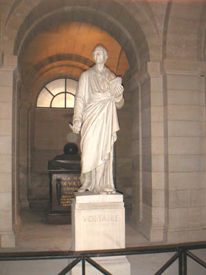 Statue of Voltaire at the Panthéon (by Jean-Antoine Houdon, 1781)